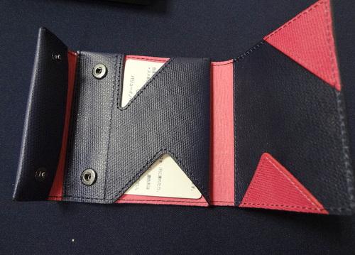 薄い財布 レディースカラー